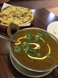 Daal makhani & garlic naan